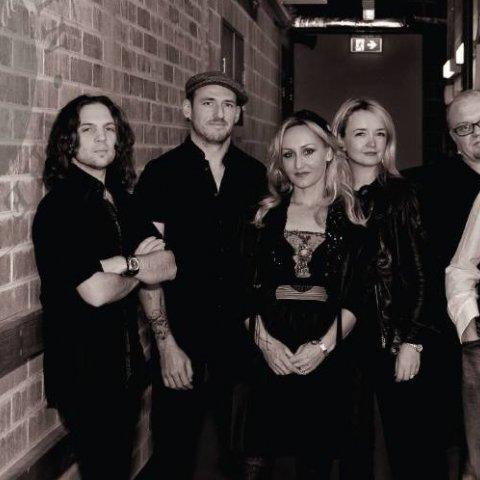Running in the Shadows of Fleetwood Mac